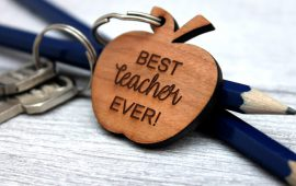 keyring-apple-best-teacher-2